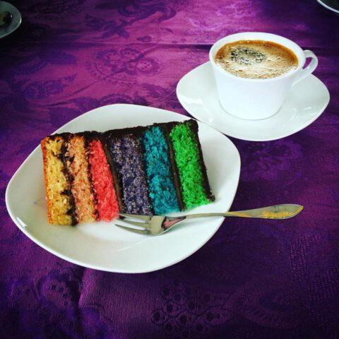 Regenbogenmarzipanwunderkuchen